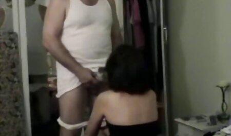 U filme porno gratis anal njezinoj uskoj guzici