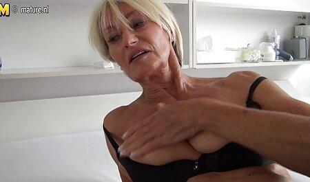 Fantazirani cuckold dijeli cam chat porno gratis svoju plavušu