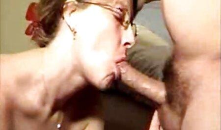 Prsata kći videoporno v jebeno je povrijeđena