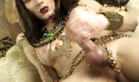 Horny porno jebe se porno cu femei gratis u klubu