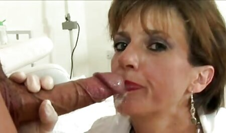 Gnutova vruća gimnastičarka fete virgine gratis