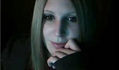 Jebi se s sex bruneta horny artea elfom