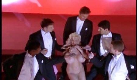 - znatiželjna plavuša drži za grubog filme sexi ro troje