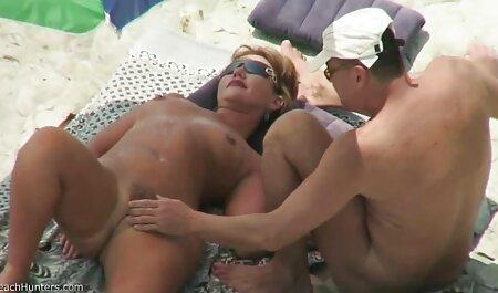 Mala djevica pokazuje porno sauna gratis svoju malu rupu s djevičanskom trešnjom