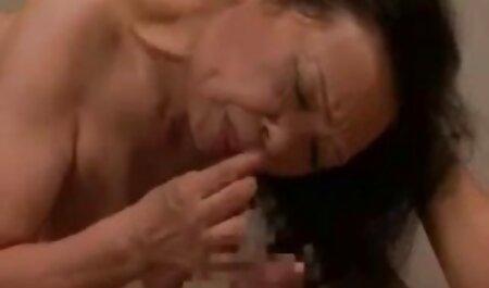 Majstorski sis video pizde goale - usisajte joj koraknući kurac dok on meditira C8E7