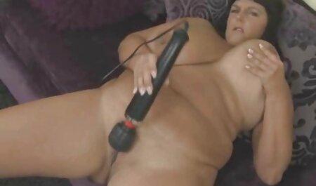 Naomi filme porno pentru telefonul mobil pravi DP kremnu tortu.