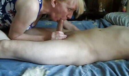Seksi plavuša isprobava grudnjake pov filme porno gratis brutal