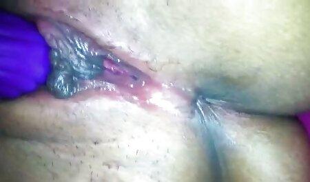 Sjajna prsata započinje pornoxxx ro svoj dan