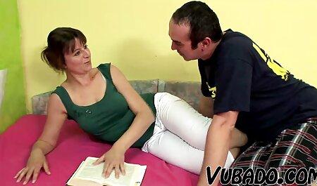 Seksi mama filme porno gratis zoo Becky ulazi u rublje.